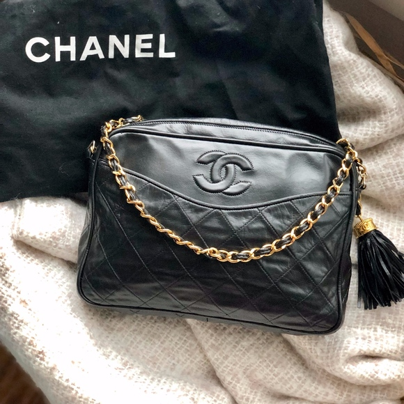 5c45f902ced402 CHANEL Handbags - Chanel Vintage Quilted CC Tassel Camera Bag